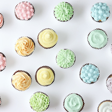 10 ways to frost a cupcake