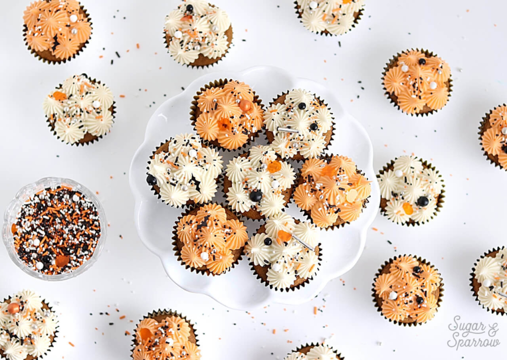 Halloween party cupcakes by sugar and sparrow