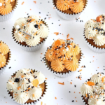 pipeable cream cheese buttercream recipe by sugar and sparrow