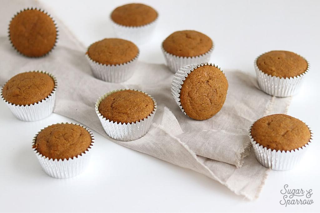 pumpkin cupcakes recipe by sugar and sparrow