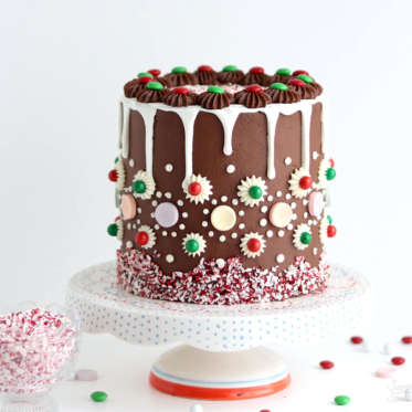 how to decorate a gingerbread cake