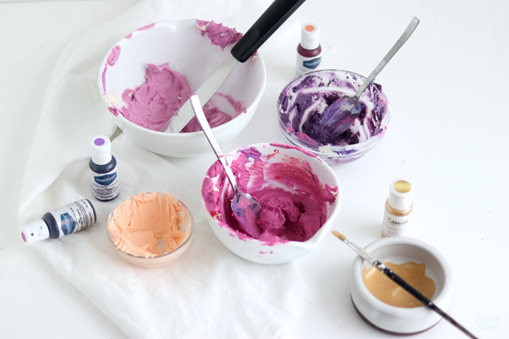 mixing buttercream colors