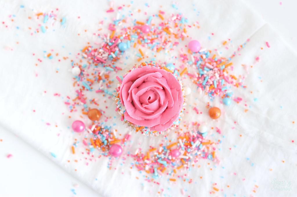 Buttercream Rose Cupcake tutorial