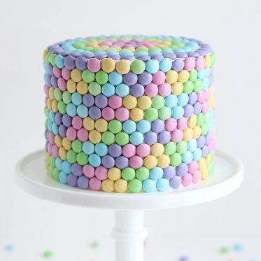 pastel candy cake