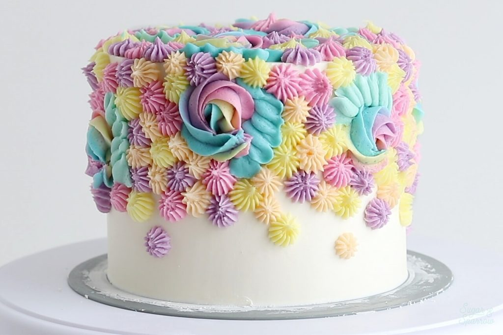buttercream piping on cake