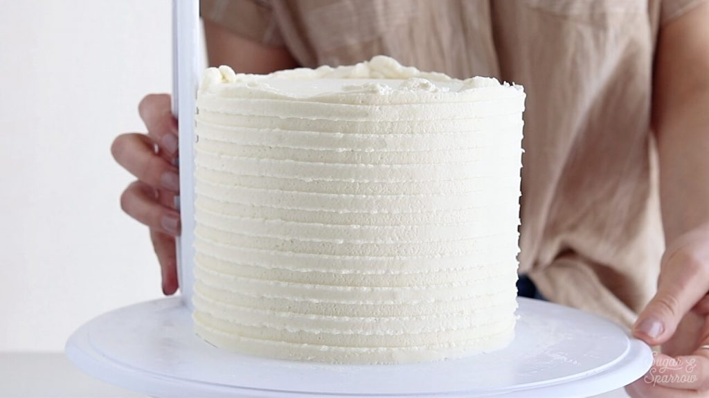 buttercream stripes cake tutorial