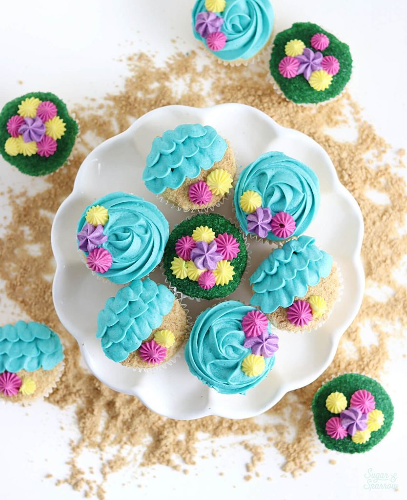 beach themed cupcakes by sugar and sparrow