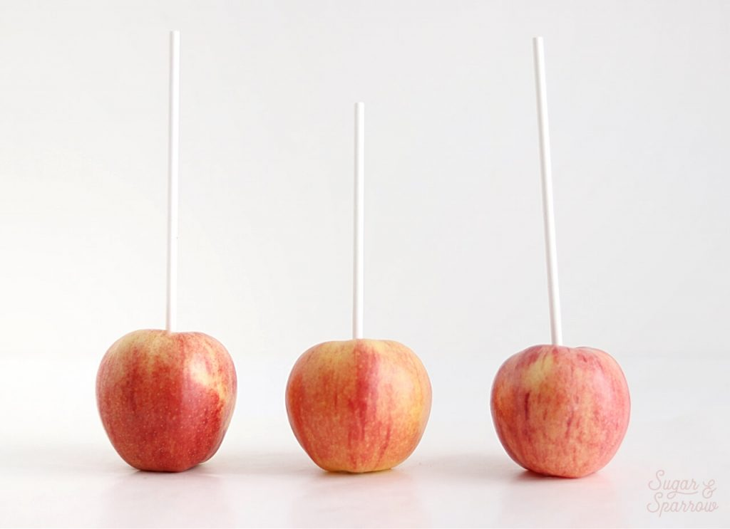 how to prepare apples for dipping in caramel