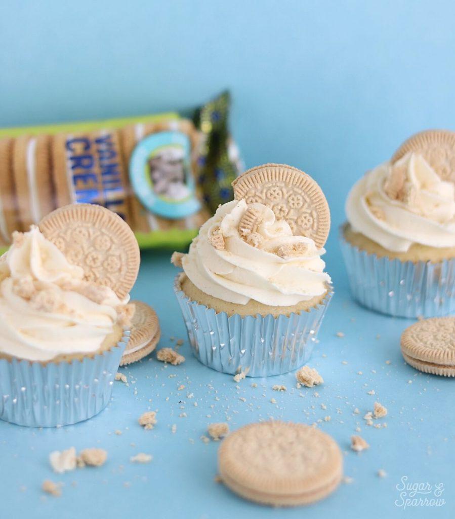 gluten free vanilla oreo cookie cupcakes
