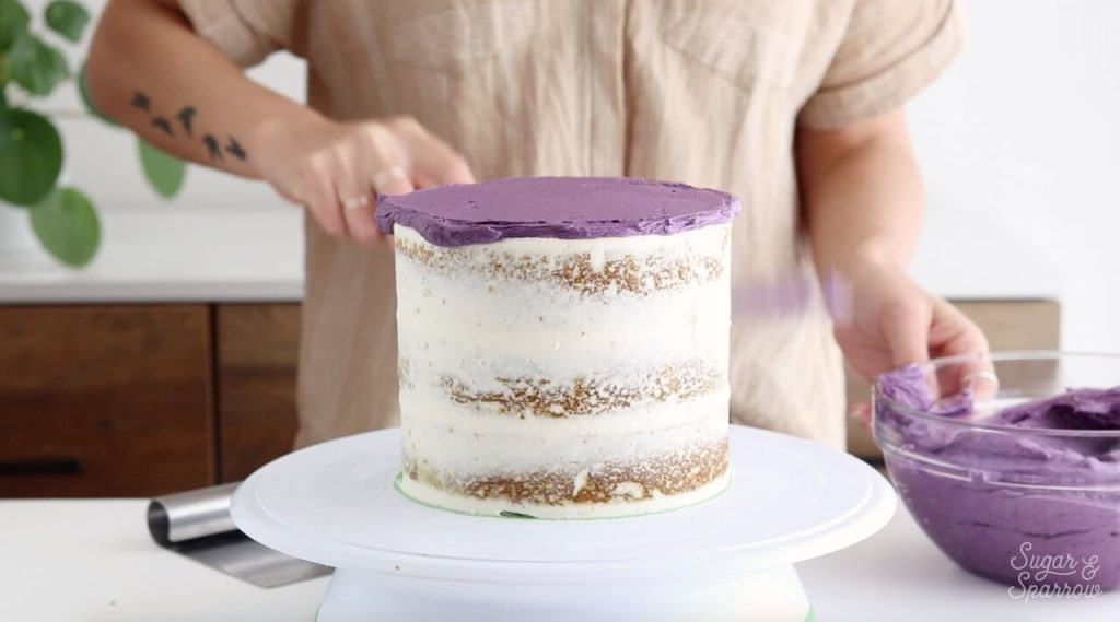 how to frost a cake with buttercream