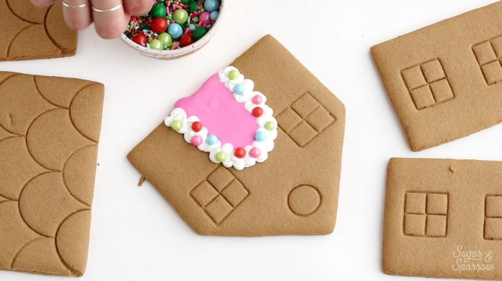 decorating gingerbread house pieces