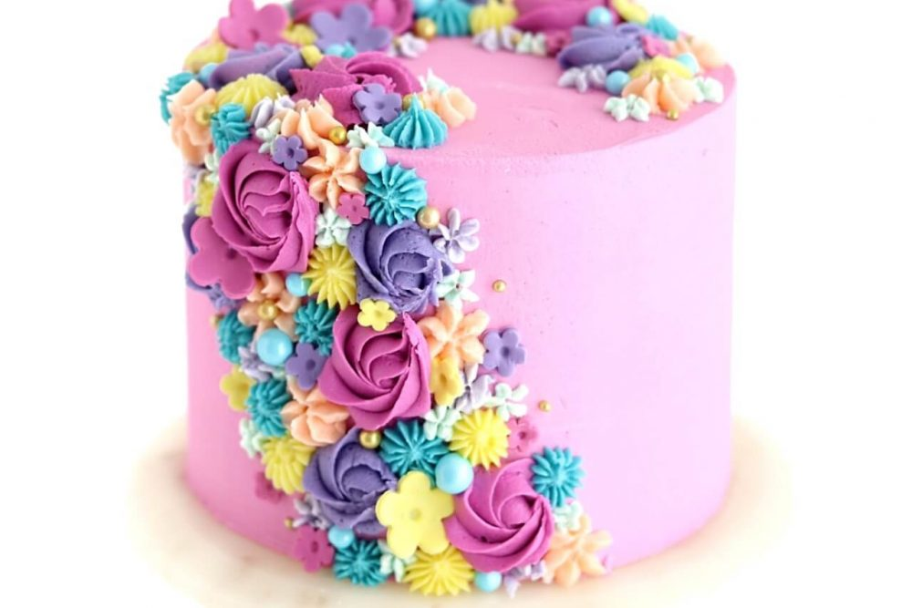 cascading floral cake tutorial by Sugar and Sparrow