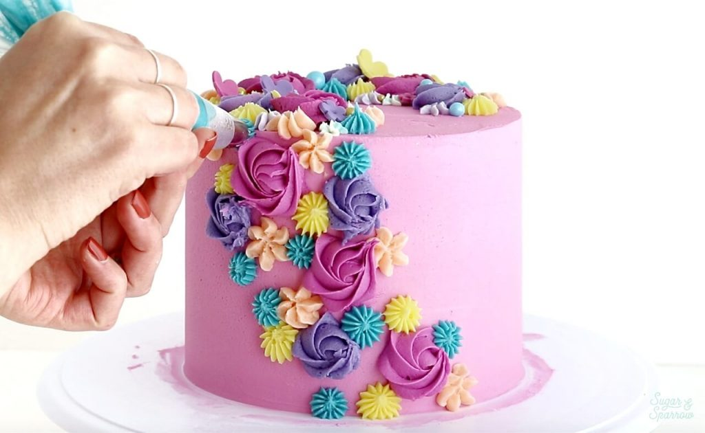 how to create a cascading floral cake with buttercream
