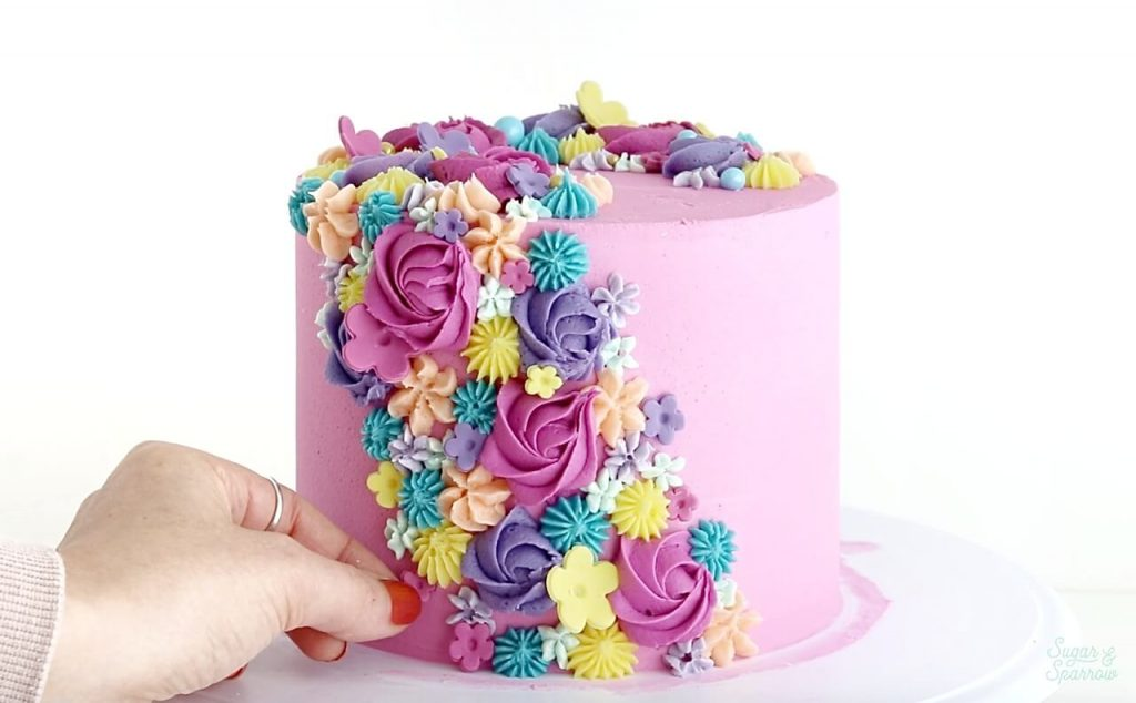 how to create a buttercream floral cake