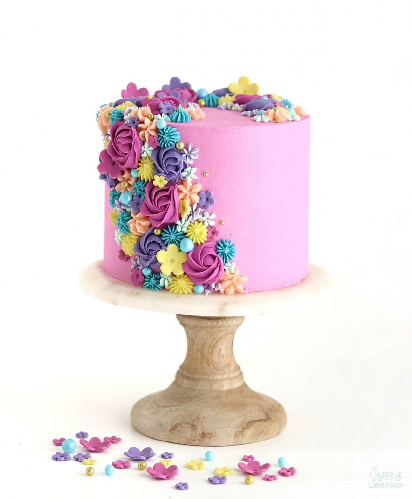 floral buttercream cake tutorial by sugar and sparrow