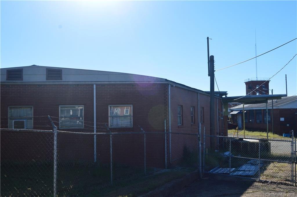 178 Oak Street N