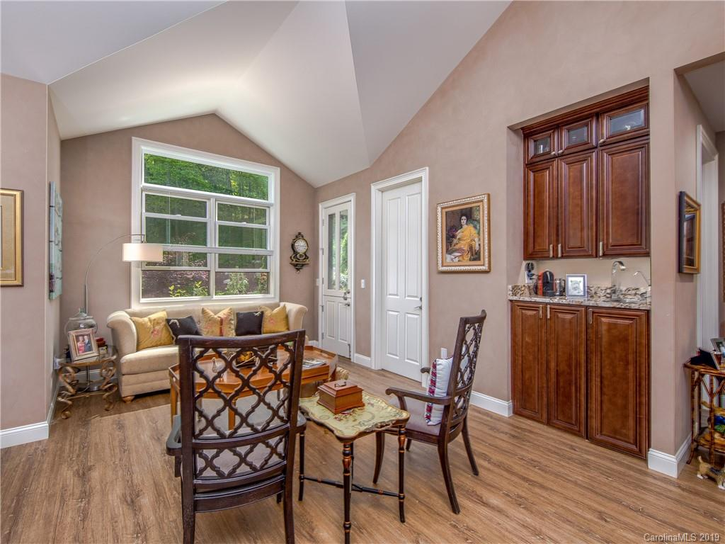 38 Misty Valley Parkway