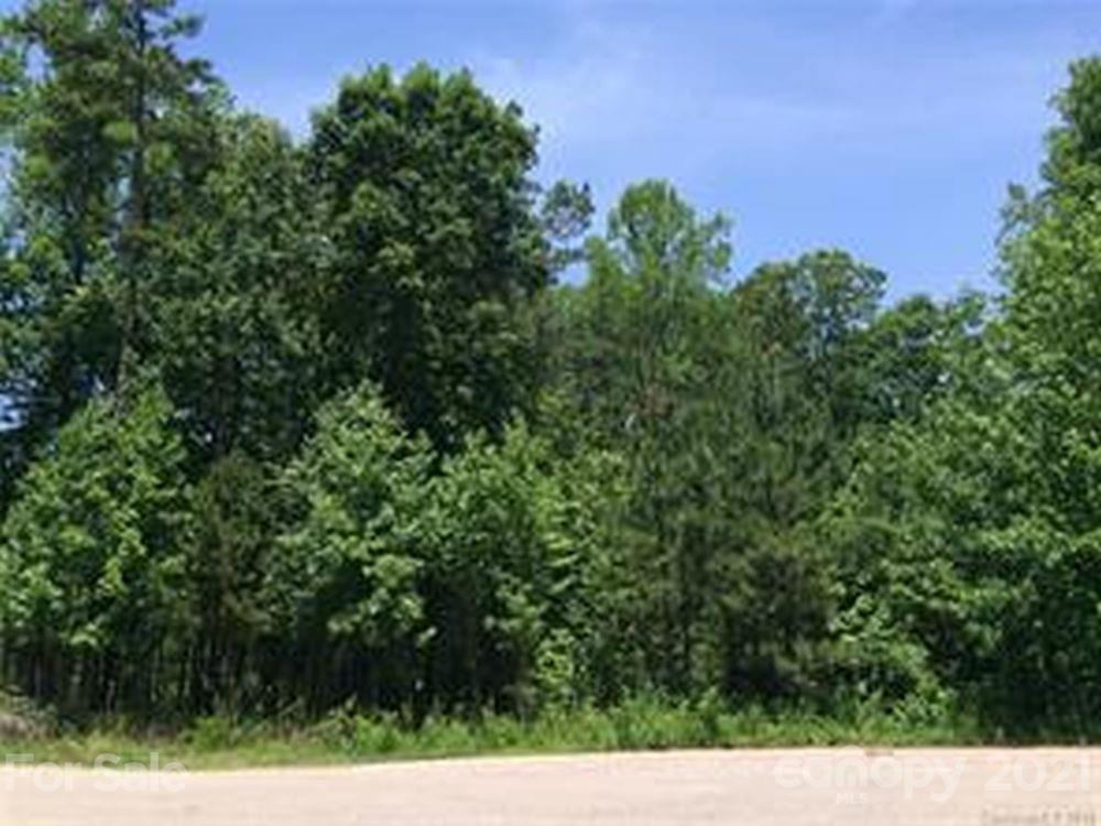 1065 Shawnee Trail
