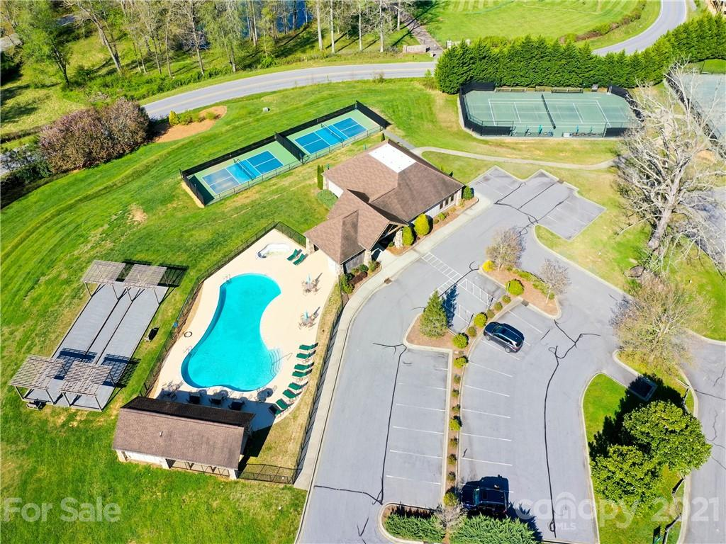216 Mountain Crest Drive