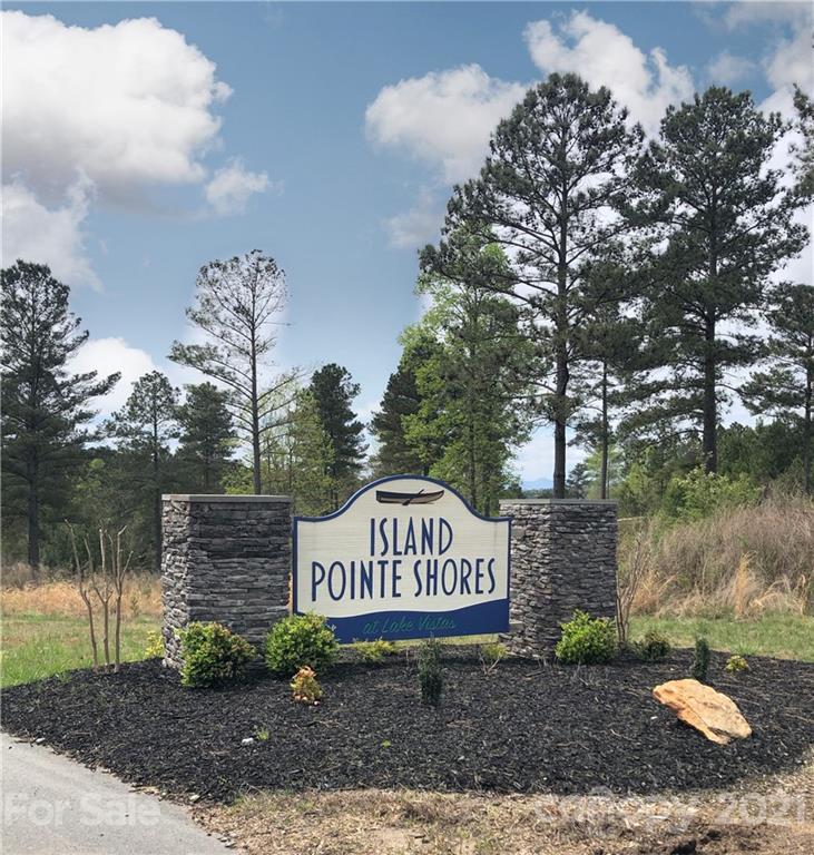 2039 Lake Vista Drive NE