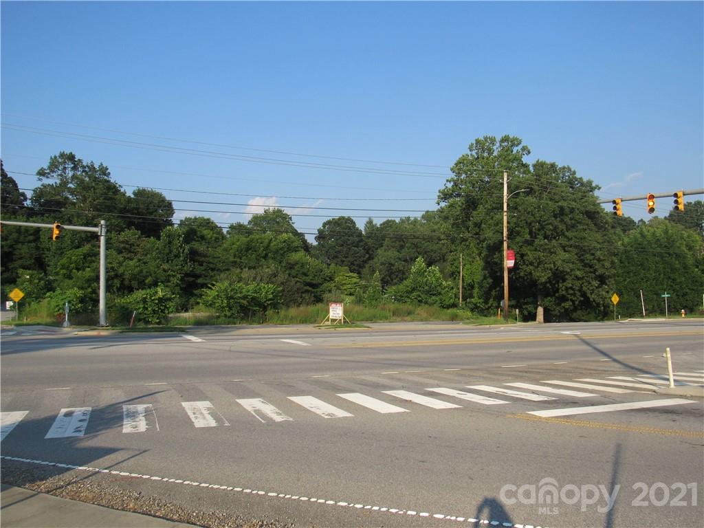 3008 Hendersonville Road