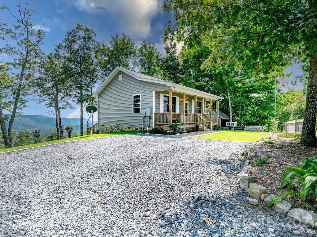 1211 Nancy Mountain Road