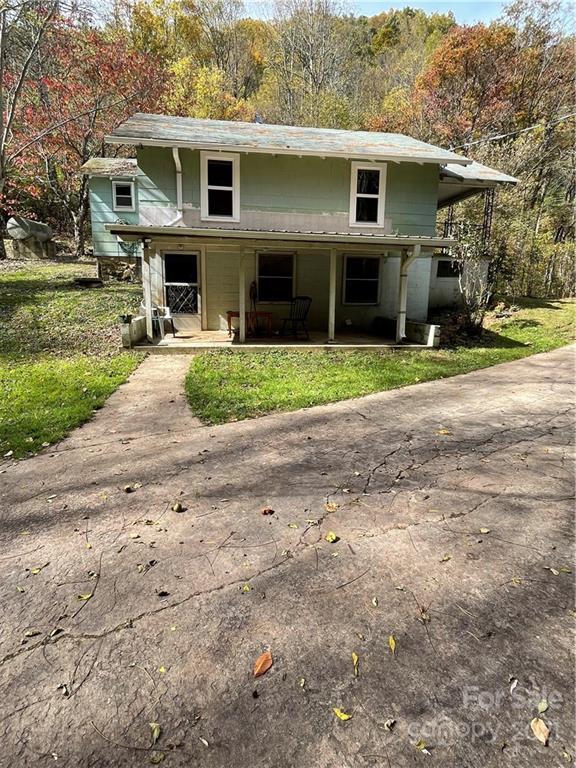 873 Dix Creek Road