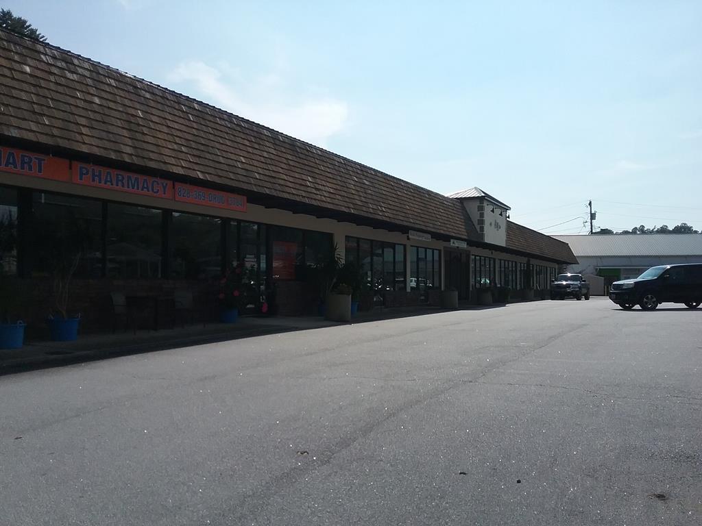 10 W. Palmer Street