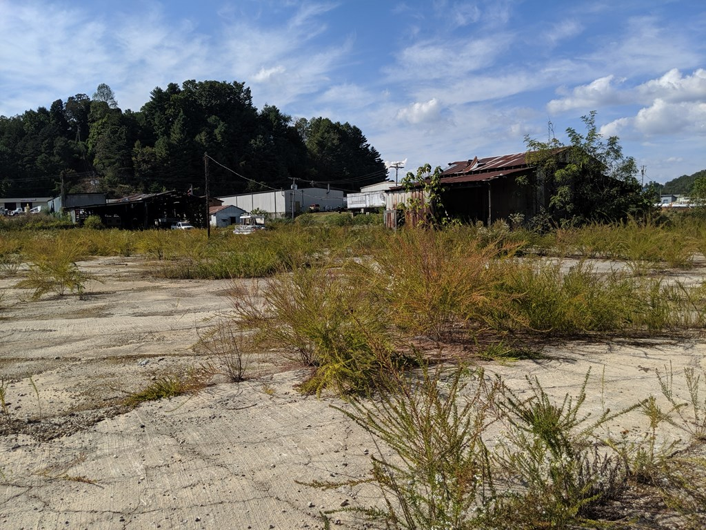 437 Depot St