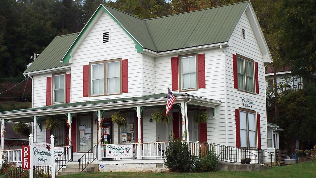 488 Haywood Road
