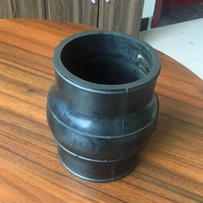 Clamp type rubber expansion joint