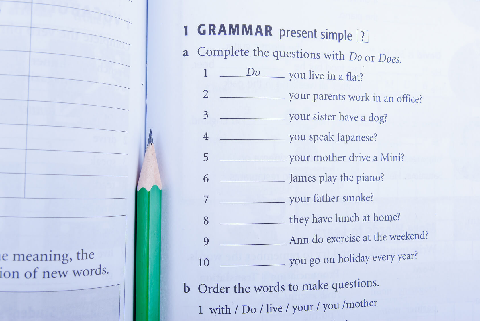 Grammar Excercise - CREATING YOUR OWN MATERIALS FOR THE TEFL CLASSROOM