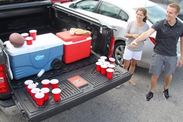Tailgating Game – Tailgate Pong