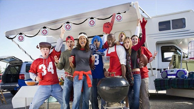 Inexpensive Ways to Make Your Tailgate Look Awesome