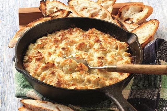 Warm Artichoke Dip with Parmesan Crust