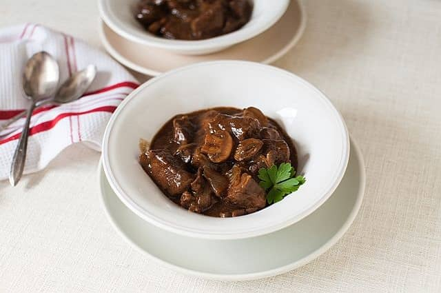 Slow Cookers Red Wine and Mushroom Beef Stew