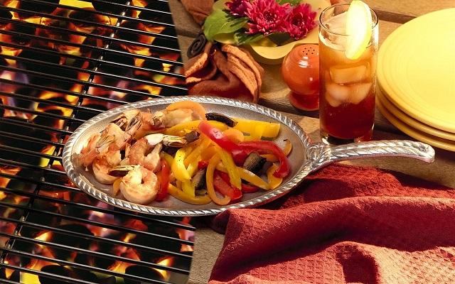 Wilton Armetale Gourmet Grillware