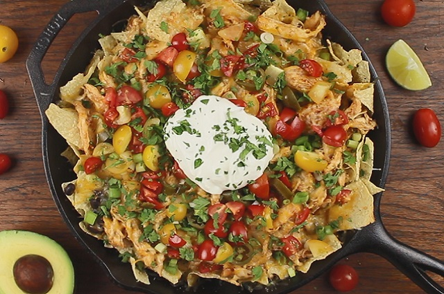 Shredded BBQ Chicken Nachos – Crock Pot Recipe