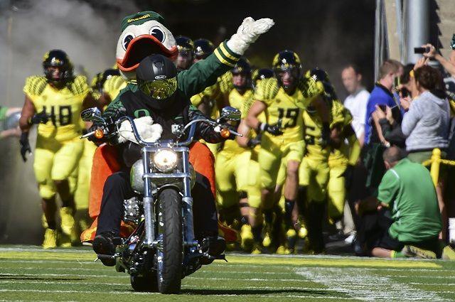 University of Oregon – Ducks Go Tailgating