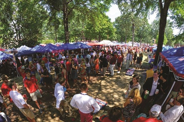 University of Mississippi – Tailgating in The Grove