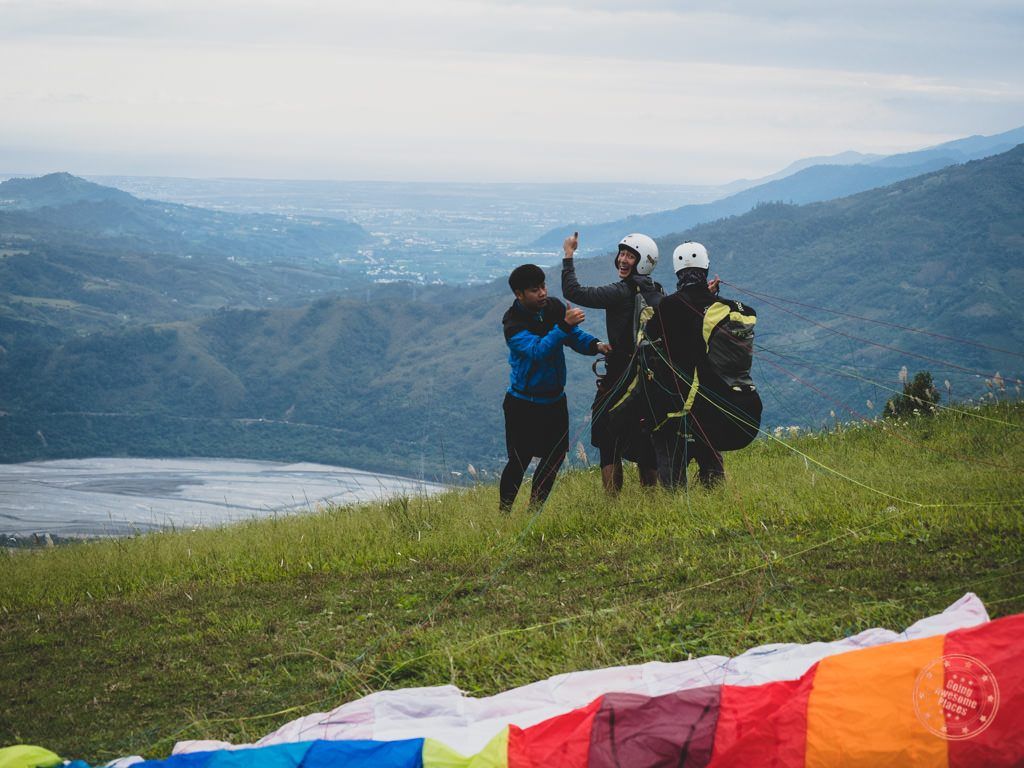 Paragliding in Taiwan (Photo courtesy Going Awesome Places)