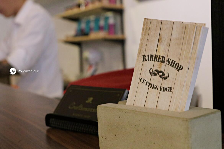 mytaiwantour_taiwan scene_hualien british barber Cutting Edge Barber Shop.JPG