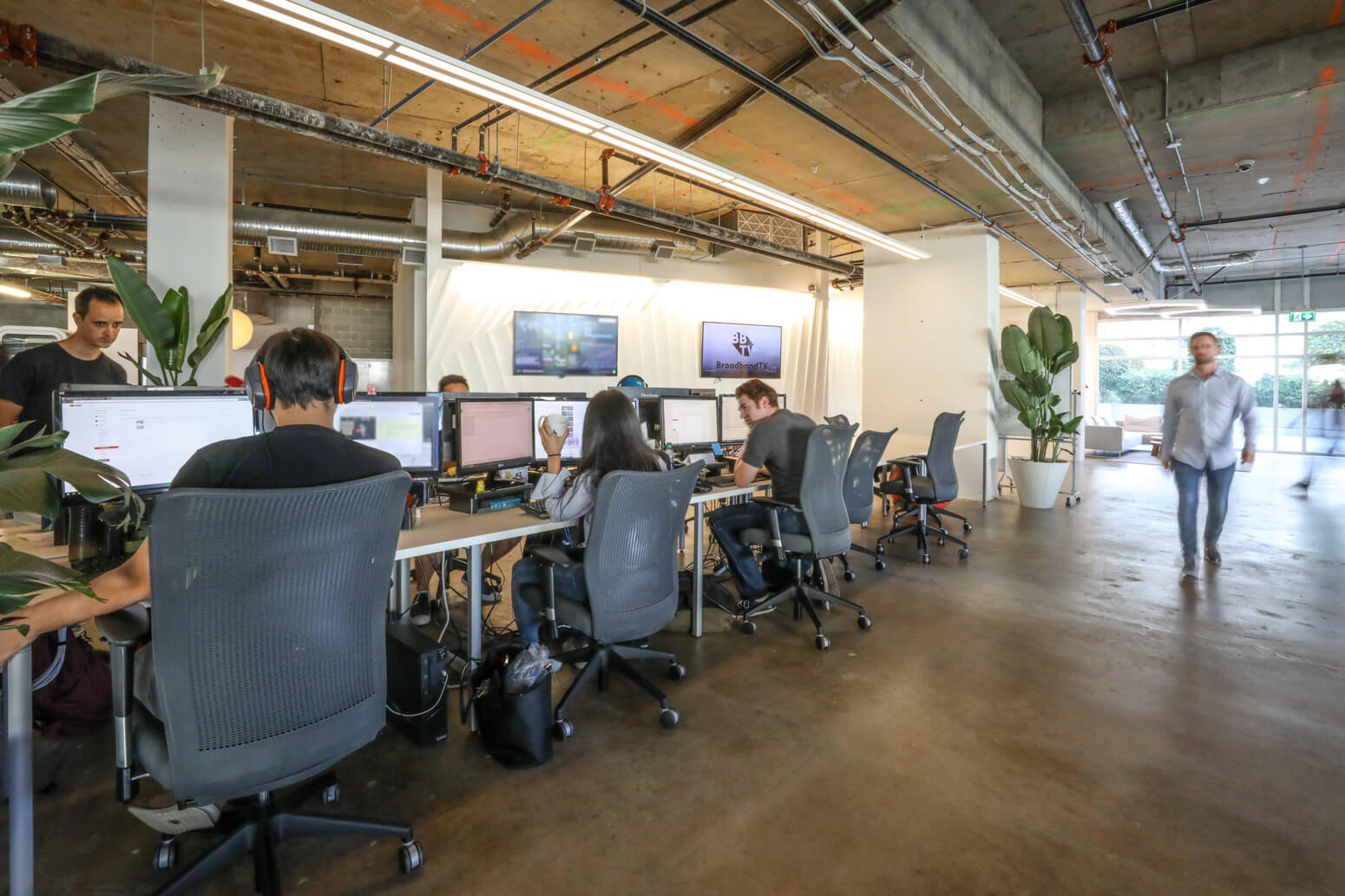Broadband TV Office Killer Spaces -25
