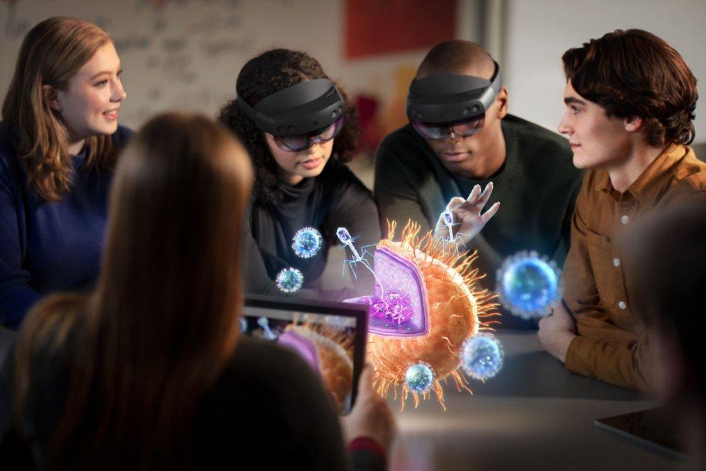 HoloLensVR2