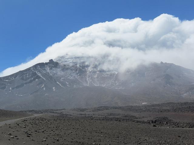 יכול להשפיע? .התפרצות הר געש באקוודור.