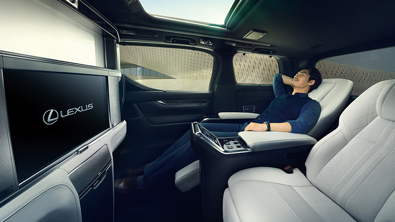 All New Lexus Lm Is A Luxurious Minivan You Ll Actually Want To