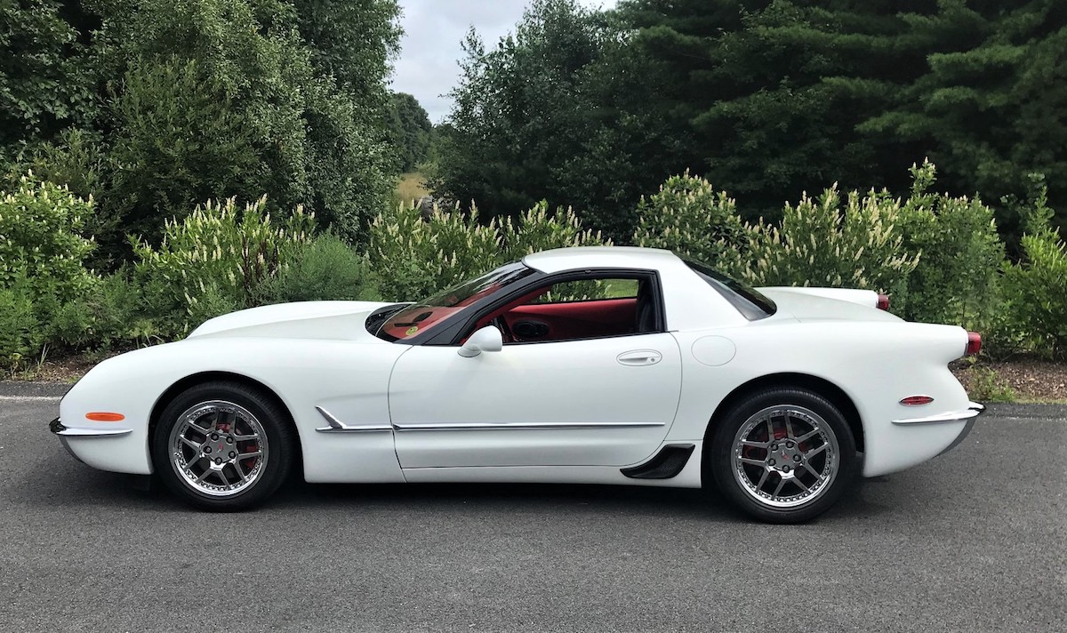 Retro-Styled 2004 Chevrolet Corvette Z06 Is a Questionable