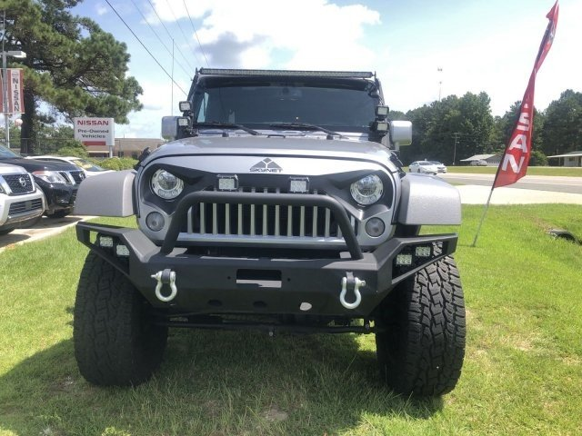 Jeep Jk Mods >> This Jeep Wrangler 6x6 Terminator With Questionable Mods