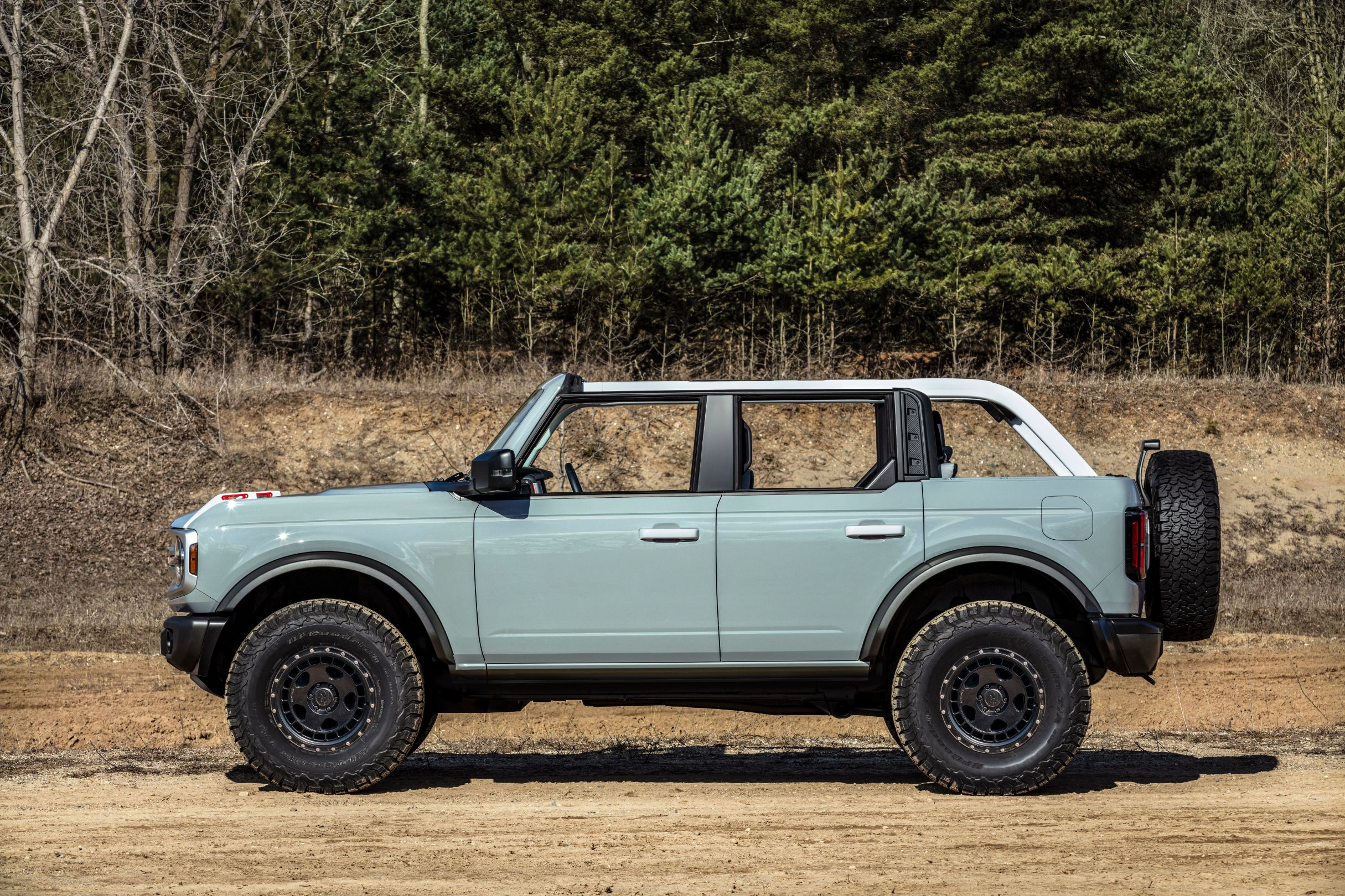 2021 Ford Bronco An Off Road Legend Returns At 29 995 The Drive