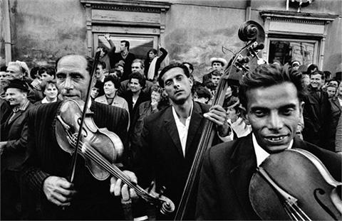 2. gypsy musicians